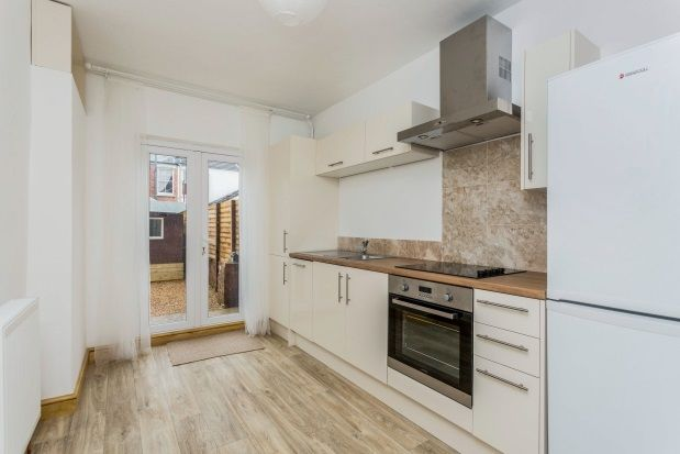 Thumbnail Property to rent in Dunbar Road, Southsea