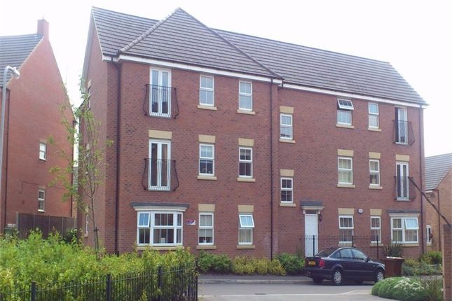 Thumbnail Flat to rent in Fieldfare Close, Corby, Northamptonshire
