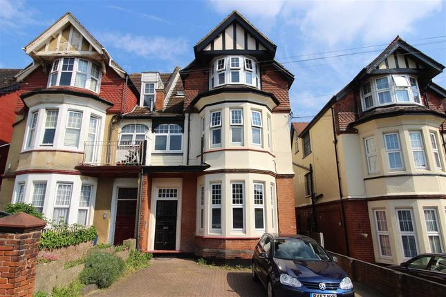 Main Picture of Palmerston Road, Westcliff-On-Sea SS0