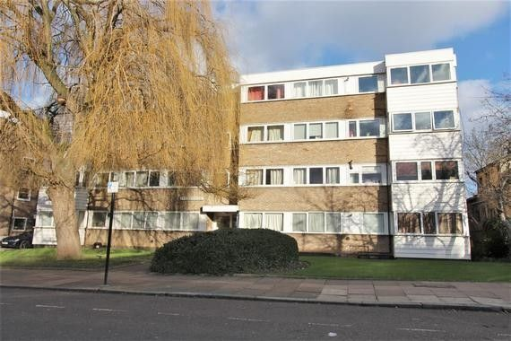 Flat for sale in Deanswood, Maidstone Road, London