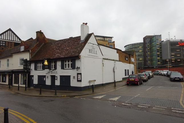 Thumbnail Pub/bar for sale in Frogmoor, High Wycombe, Buckinghamshire