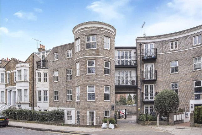 1 bed flat for sale in Riseholme Court, Cadogan Terrace, London E9