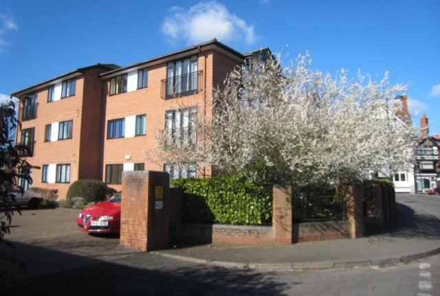 Thumbnail Flat to rent in Station Road, Henley On Thames