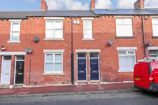 Thumbnail Flat for sale in Commercial Road, Byker, Newcastle Upon Tyne