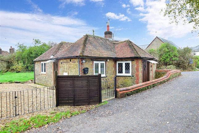 Thumbnail Detached bungalow for sale in Durleigh Marsh, Petersfield, Hampshire