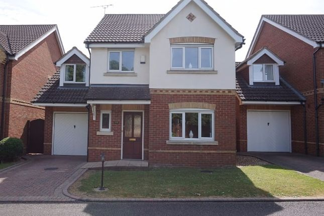 Thumbnail Detached house for sale in London Road, Dunstable