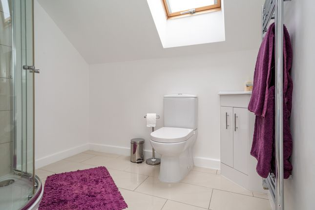 Ensuite of School Croft, Brotherton, Knottingley WF11