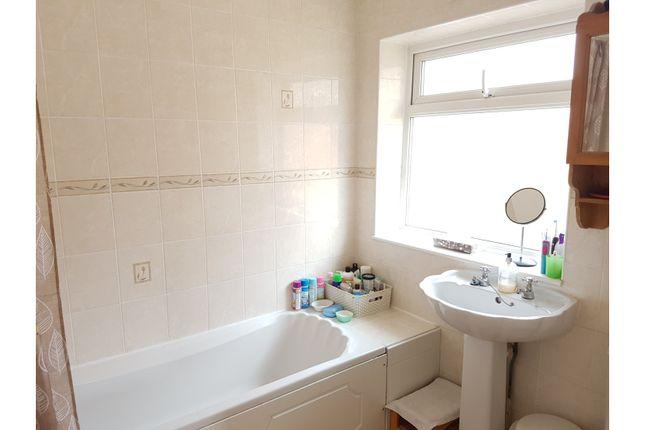 Bathroom of Dale Crescent, Brighton BN1