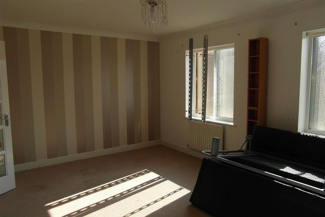 Thumbnail Semi-detached house for sale in House Meadow, Ashford, Kent