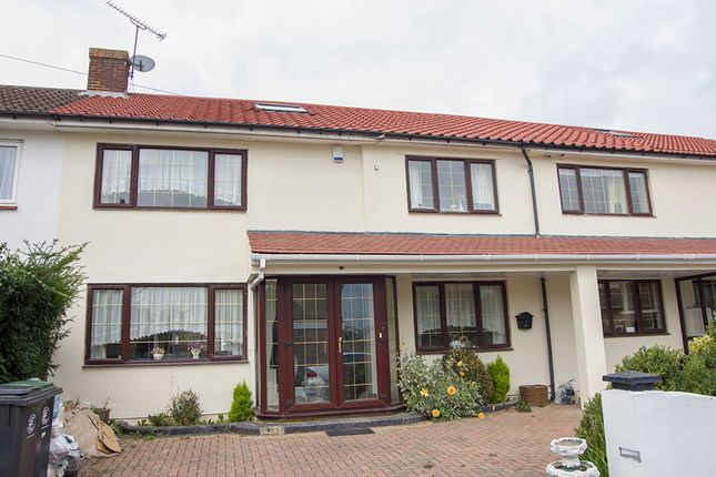 Thumbnail Semi-detached house to rent in Ingleby Gardens, Chigwell