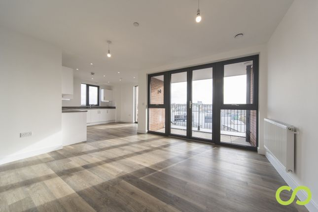 Thumbnail Flat for sale in Times Square, High Street, Sutton