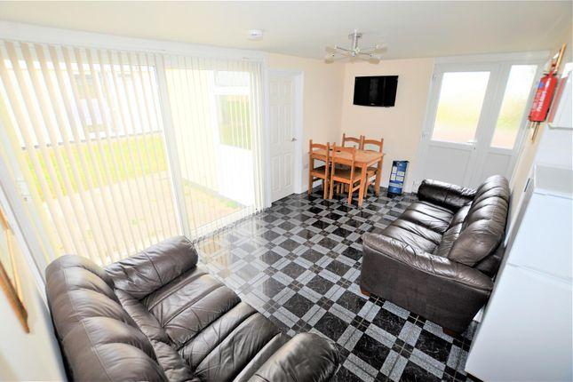 Lounge/Diner of Carmarthen Bay Holiday Park, Kidwelly SA17