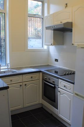 Thumbnail Flat to rent in Broomhead Drive, Dunfermline, Fife