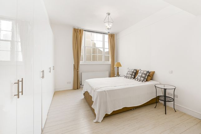 Thumbnail Flat to rent in Lowndes Square, Knightsbridge