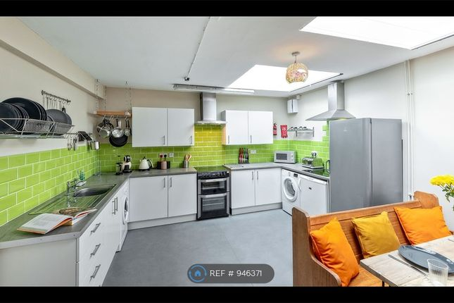 Fab Kitchen, Loads Of Character And Two Hobs