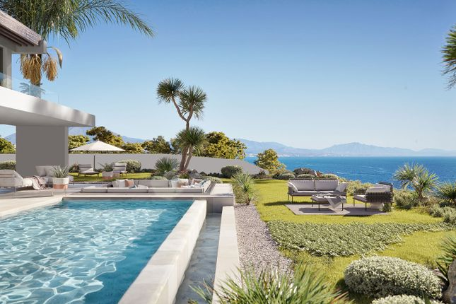 Thumbnail Villa for sale in La Duquesa, Manilva, Malaga