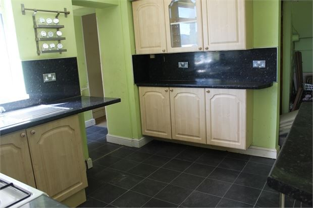 Kitchen of Pleasant Terrace, Tonypandy, Tonypandy, Rct. CF40