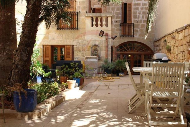 Country house for sale in St. Julian's, Malta