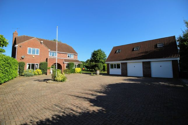 Thumbnail Detached house to rent in Washpool, Swindon