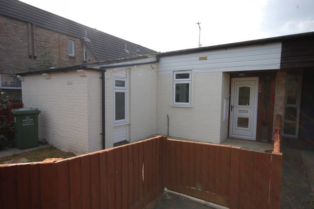 2 bed bungalow to rent in Malgraves, Pitsea SS13