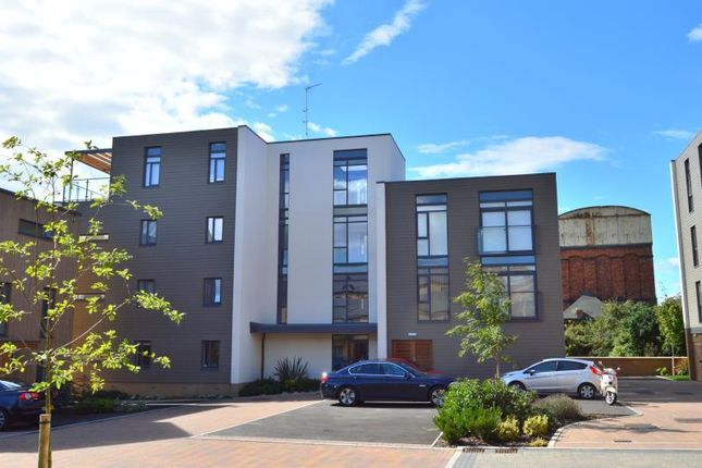 Thumbnail Flat to rent in Firepool View, Taunton, Somerset