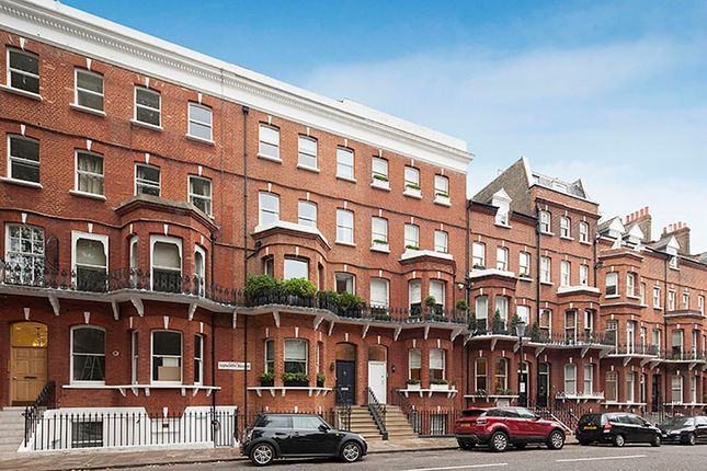 Thumbnail Property for sale in Tedworth Square, London