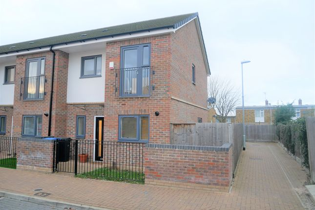 Thumbnail End terrace house for sale in Clifton Hatch, Harlow