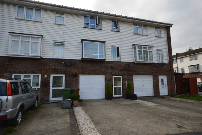 Thumbnail Terraced house for sale in Glendale Way, London