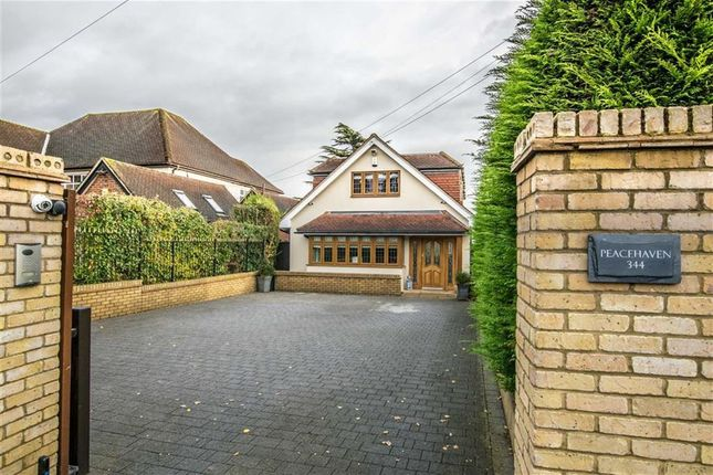 Thumbnail Detached house for sale in Ware Road, Hertford