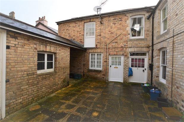 Thumbnail Mews house for sale in Queen Street, Newton Abbot, Devon.