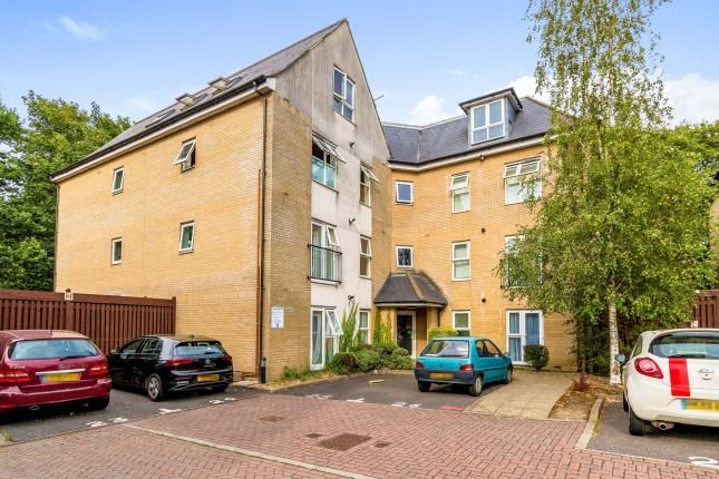 Thumbnail Flat for sale in Bannister Park, Southampton, Hampshire