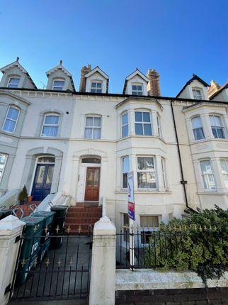 1 bed flat to rent in Charlton Street, Llandudno LL30