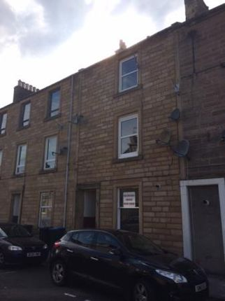 Thumbnail Flat to rent in Oliver Crescent, Hawick