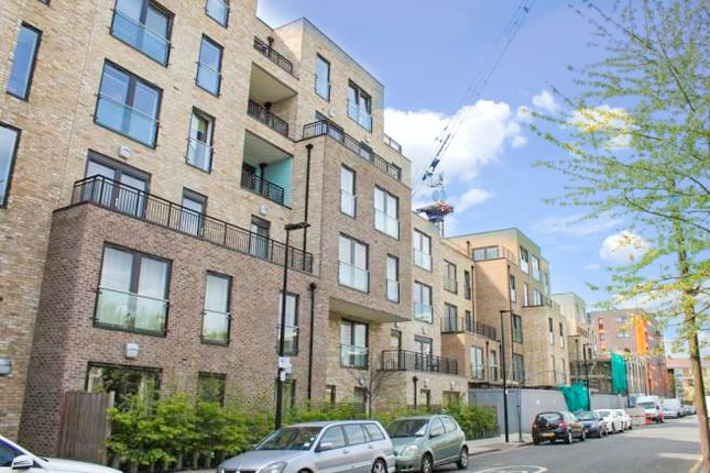 Thumbnail Flat for sale in Hyde House, Parkside, Bow