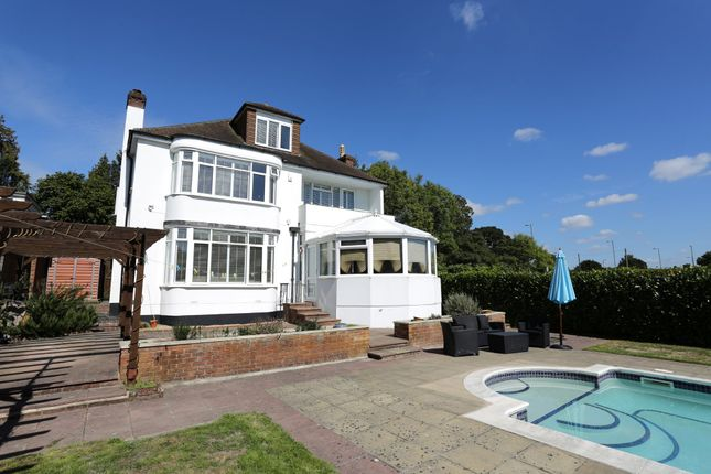 Thumbnail Detached house to rent in The Avenue, Fareham