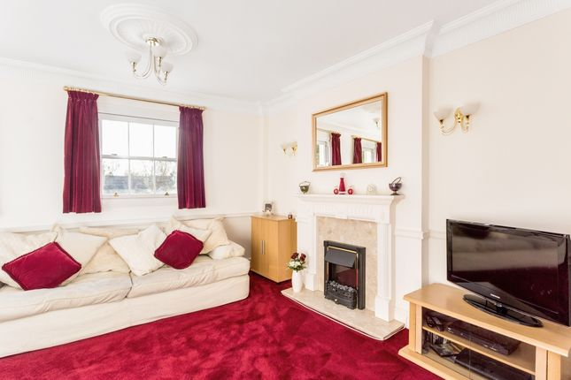 Thumbnail Flat to rent in London Road, Charlton Kings, Cheltenham