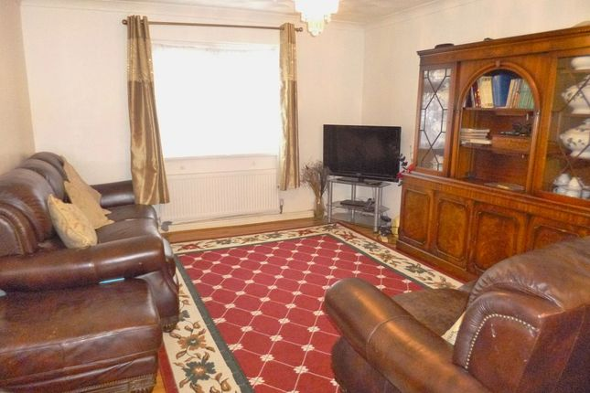 Thumbnail Property to rent in The Harebreaks, Watford