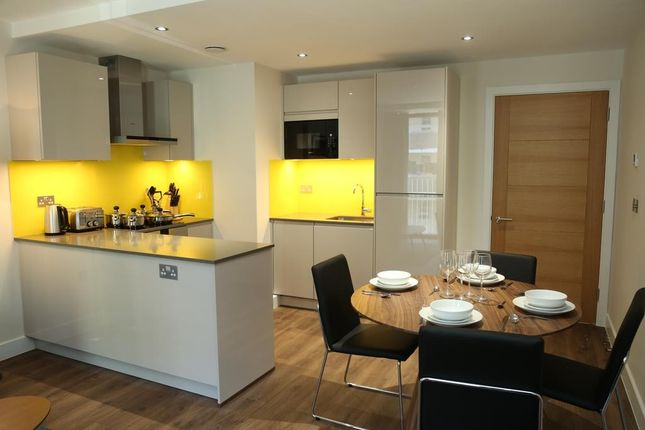 2 bed flat to rent in Bed Flat, Back Church Lane, London