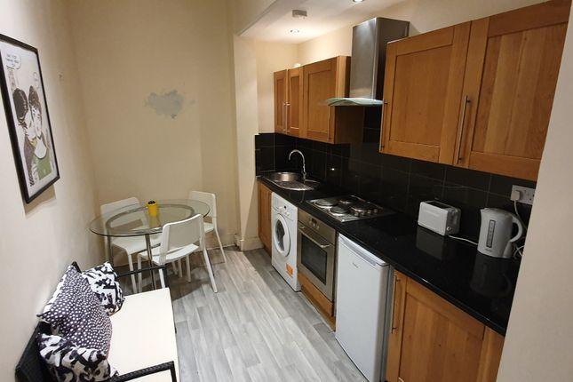 Thumbnail Flat to rent in Hazellville Road, Islington, London