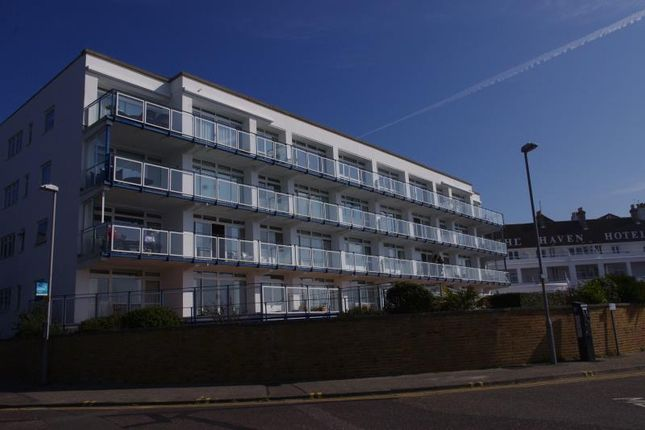 Thumbnail Flat to rent in Golden Gates, Ferryway, Sandbanks, Poole