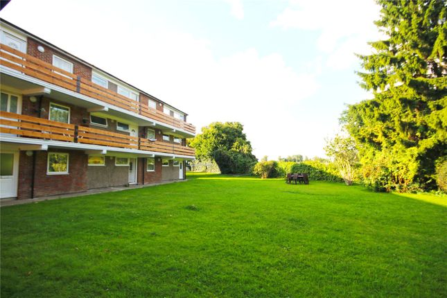 Thumbnail Flat for sale in Addlestone, Surrey