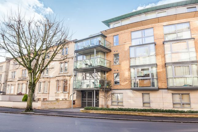 Thumbnail Flat for sale in Merchants Road, Clifton, Bristol