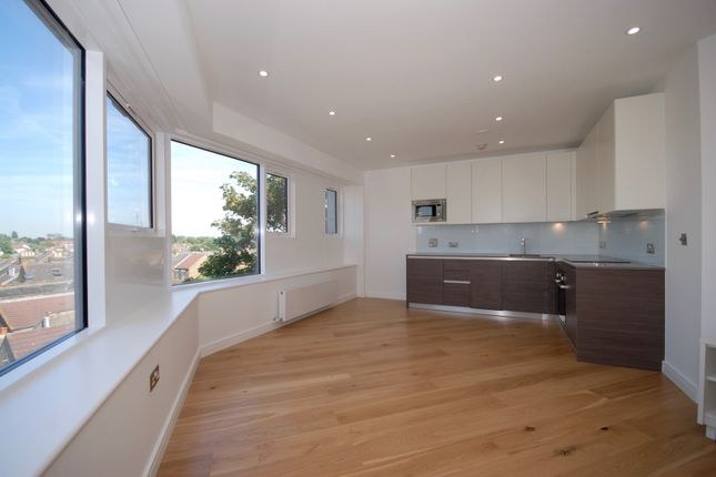 Thumbnail Flat for sale in Centralhouse, Hounslow