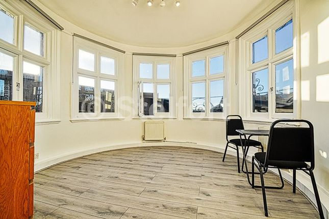 Thumbnail Flat to rent in Dartmouth Park Hill, London