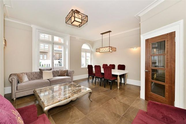 2 bed flat for sale in Kendal Street, Hyde Park