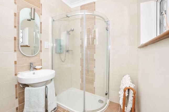 En-Suite of Upfield, Croydon CR0
