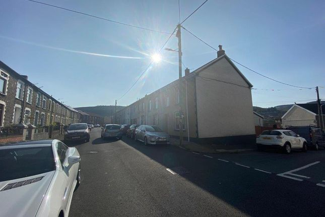 Street of Bank Street, Penygraig, Tonypandy CF40