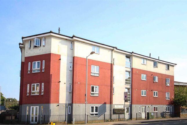 Thumbnail Flat to rent in Surbiton Crescent, Kingston Upon Thames