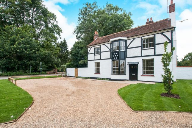 Thumbnail Property to rent in Bath Road, Knowl Hill, Reading