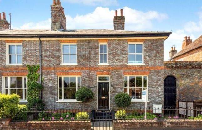 Thumbnail Semi-detached house to rent in Newbury, Berkshire